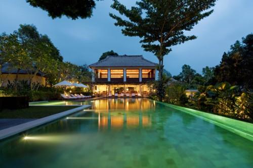 Uma-Ubud-Pool-and-Bar