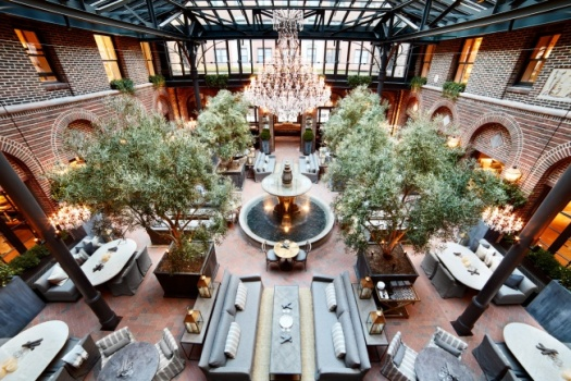 3 Arts Club Cafe In The New Spectacular RH Restoration Hardware Chicago