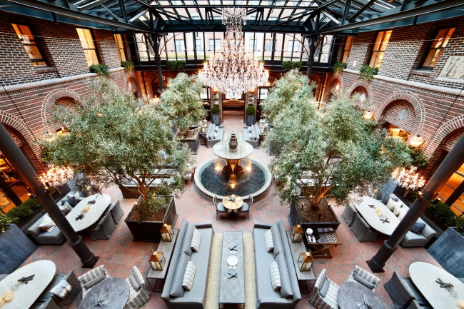 Restoration Hardware Cafe : Arts club cafe in rh restoration hardware chicago the