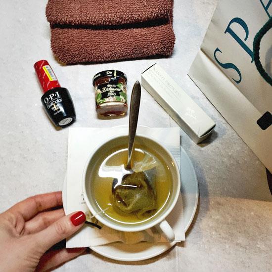 Tea-&-Nails
